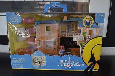 NEW RARE Madeline La Petite Old House in Paris  Deluxe Play Set