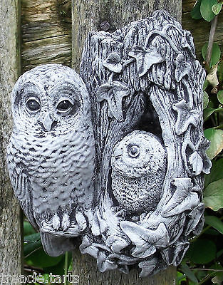 Owl and Baby Owl Wall Plaque. Hand Cast Stone Garden Ornament. 1.02 kg 12x6x16cm
