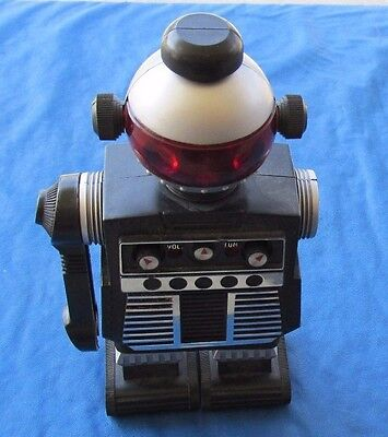 Vintage 1977 Robot Radio By Star Command I-r-1-2 Ms. Starroid Am Band Transistor