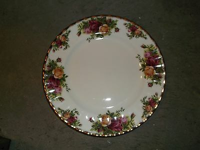Royal Albert Old Country Roses Made England Luncheon Plate 8 1/4 Inch Wide