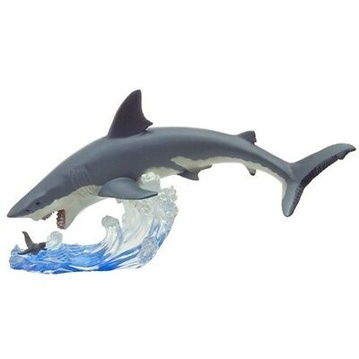 Brand New Great White Shark The Attack Favorite Polyresin Figure