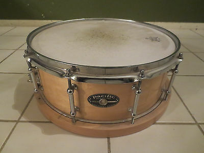 """PDP Pacific Drums Maple Snare w/ Wood Hoop Natural Finish 5.5""""X14"""""""
