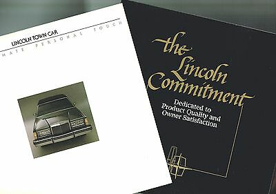 {Pr} 1983 LINCOLN Specialty Brochure's: CARRIAGE ROOF,Town Car,Signature Series,