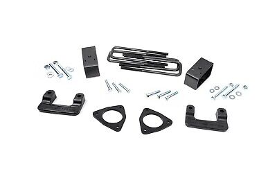 """Rough Country 2.5"""" Leveling Lift Kit, 2007-2016 Chevy/GMC 1500 Pickup 1305"""