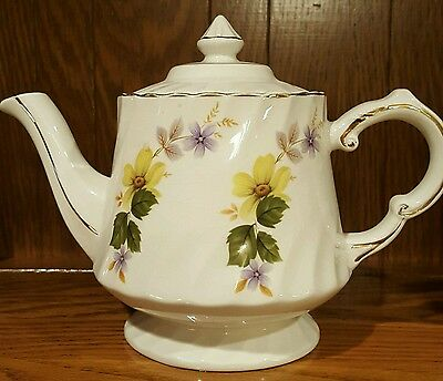 """Vintage Teapot Woods England - Trimmed and Signed in Gold - 6.5"""" X 9"""""""