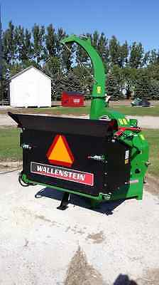 """Wallenstein BX102R 10""""x17"""" Power Feed Tractor 3-Point, PTO Powered Wood Chipper"""