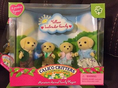 Calico Critters Yellow Labrador Family-Animal Family Playset New