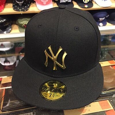 New Era New York Yankees Fitted Hat All BLACK/GOLD METAL BADGE