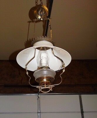 15472- Antique Victorian Hanging Oil Lamp light w  Glass Globe & Orig Bracket