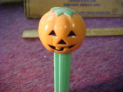 great looking vintage pez dispenser pumpkin head made in hungary 4.966.305