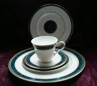Royal Doulton BILTMORE Five Piece Place Setting - Pristine - FREE SHIPPING