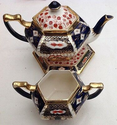 EARLY 20th C TEAPOT , SUGAR BOWL & STAND. BLUE, GOLD