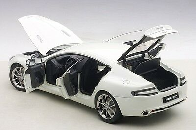 Autoart ASTON MARTIN RAPIDE S STRATOS WHITE 2015 1/18 Scale New Release In Stock