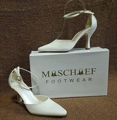 Ladies Shoes Mischief ALLURE Size 6 White Satin Bridal Formal Heels New in Box