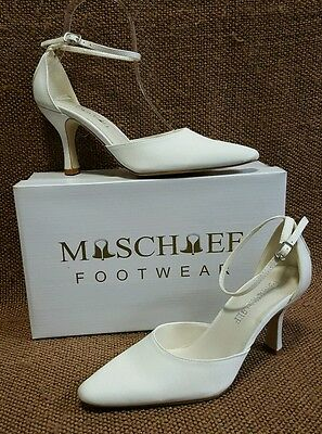 Ladies Shoes Mischief ALLURE Size 7 White Satin Bridal Formal Heels New in Box