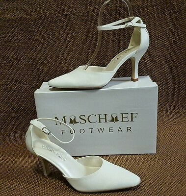 Ladies Shoes Mischief ALLURE Size 9 White Satin Bridal Formal Heels New in Box