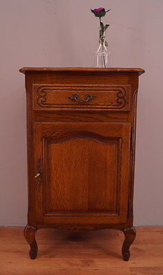 909 ! Impressive French Oak Cabinet/cupboard In Louis Xv Style !!
