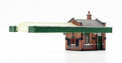 Graham Farish Scenecraft N 42-117 Great Central Station Office & Canopy *new*