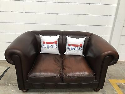 *SUPERIOR Vintage Brown Leather 2 Seater Chesterfield Sofa L��������K*