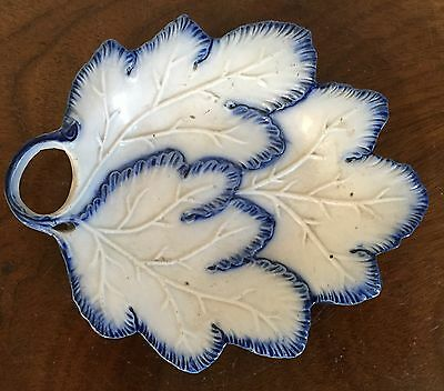 Antique 19th c. English Creamware Pearlware Leaf Pickle Dish Blue Feather Edge