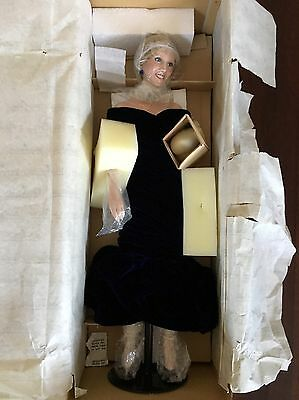 1998 DIANA PRINCESS OF WALES HANDCRAFTED PORCELAIN DOLL Brand New #17307A COA