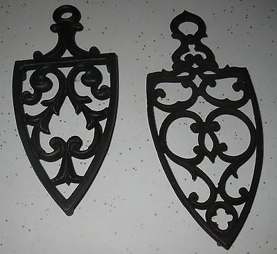 Pair Of Cast Iron Stove Pot 3 Footed Trivets Arrow Shape Solid Pieces Vg !