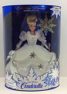 Walt Disney's Cinderella Holiday Princess Doll Special Edition 1996 NRFB