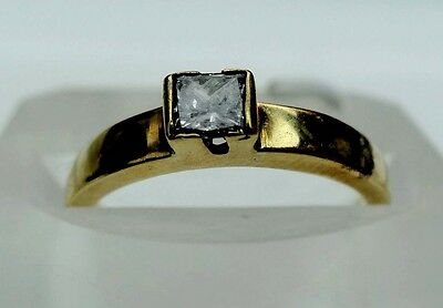 Diamond Princess Square Cut Solitaire 18Ct Yellow Gold Ring Size K 1/2