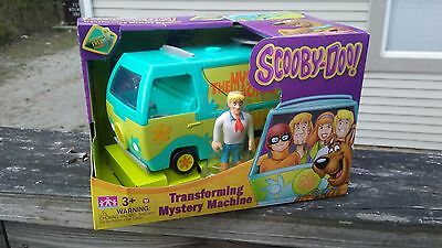 NEW Cartoon Network Scooby-Doo Transforming Mystery Machine & Fred Figure ~ Toys