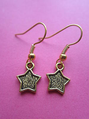 Cute Petite Dangly Gold Tone Star Earrings Kitsch New Gift Stocking Filler