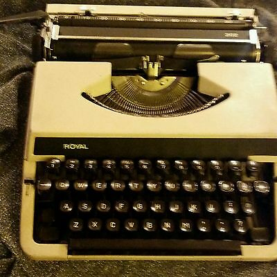 Royal T-A organisations typewriter
