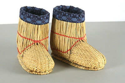 Handwoven primitive straw shoes Asian Oriental Collectible