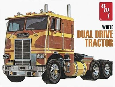 AMT 1:25 White Freightliner Dual Drive Cabover Model Kit AMT620