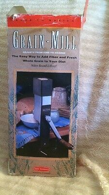 Back to Basics Hand Operated Grain Mill No. 555 Makes Wheat Rice Corn Flour++