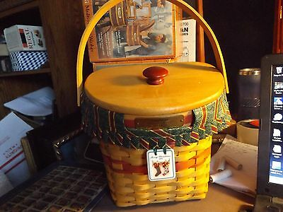 1998 longaberger christmas basket lid liner and plastic protecter