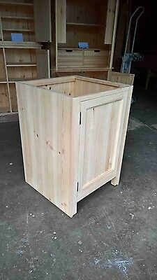 Job Lot, Solid Pine Kitchen Cabinets (20' container)