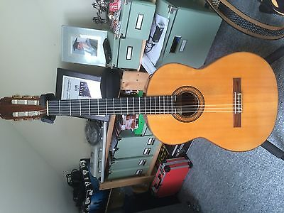Classical guitar, rare Richard Howells.