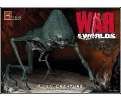 Pegasus 1/18 War of the Worlds Alien Creature (Pre-Finished) Model Kit 9907