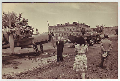 Wwii Press Photo: Captured German Luftwaffe Air Planes Being Exibited For Public