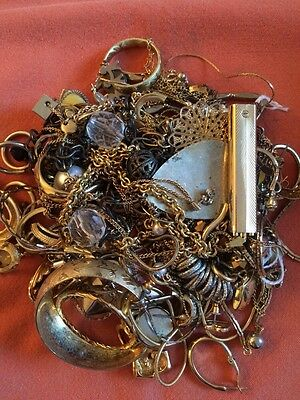 Gold Tone Jewelry 1 LB LOT: Necklaces, Earrings, Etc. Craft Repurpose #41