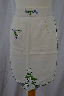 VINTAGE 1930s white cotton apron embroidered with thistles