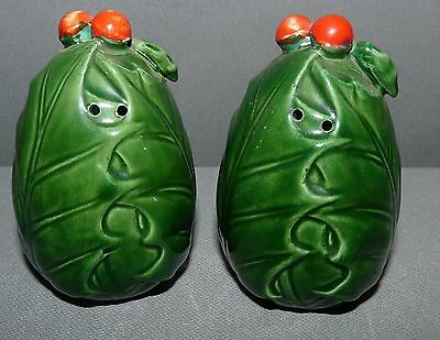 Lefton China Salt and Pepper Shaker Set Christmas Holly Hand Painted Japan