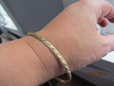 10k Yellow Gold Etched Sparkly Bangle Bracelet 5.8 grams
