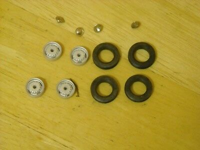 Set of 4 Ventilated disc wheels with chrome hubcaps in 1/43rd scale by K & R Rep