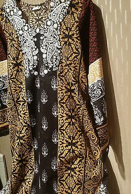 Pakistani original HSY embroided kurta in size M .. chest 22.. length 36 ..
