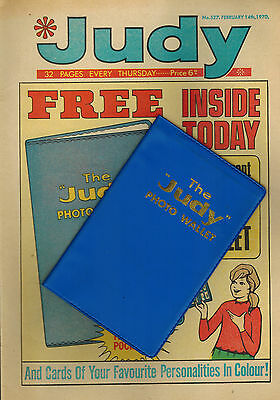 JUDY COMIC No. 527 from 1970 with FREE GIFT PHOTO WALLET!!
