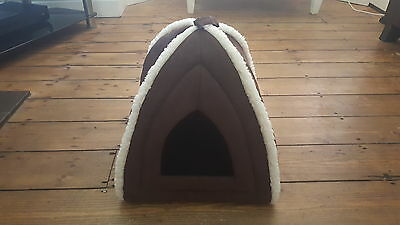 Pet Shop Luxury Faux Suede Cosy Igloo Cat/kiteen Bed, Brown White Fur Trim