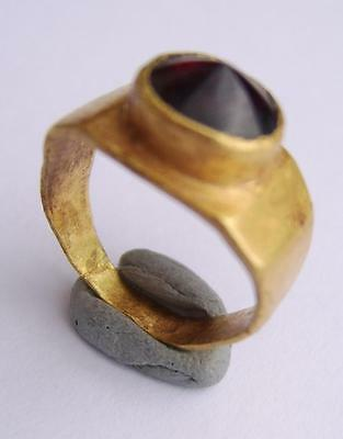 3Rd Century A.d. Roman Gold Ring With Conical Shaped Garnet