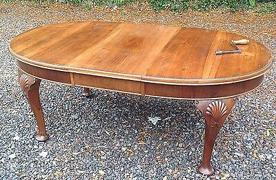 Edwardian Mahogany Dining Table 4-6 Seat Queen Anne Legs  Carving Extending