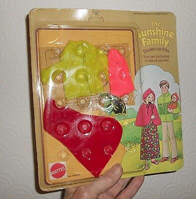 The Sunshine Family by Mattel clothes dress up kit 7266 unused still sealed
